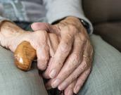Nasilje nad starejšimi