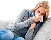 Zakaj navadni prehlad prepogosto vodi v resne težave?